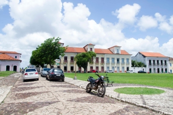 Ruas da cidade de Alcântara